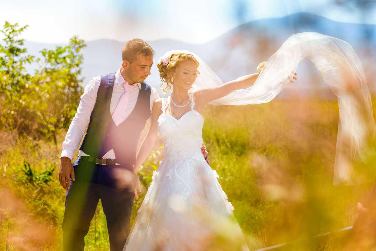 Моменти от сватбата на В&Д. Сватбена фотография от професионален фотограф Иван Банчев.