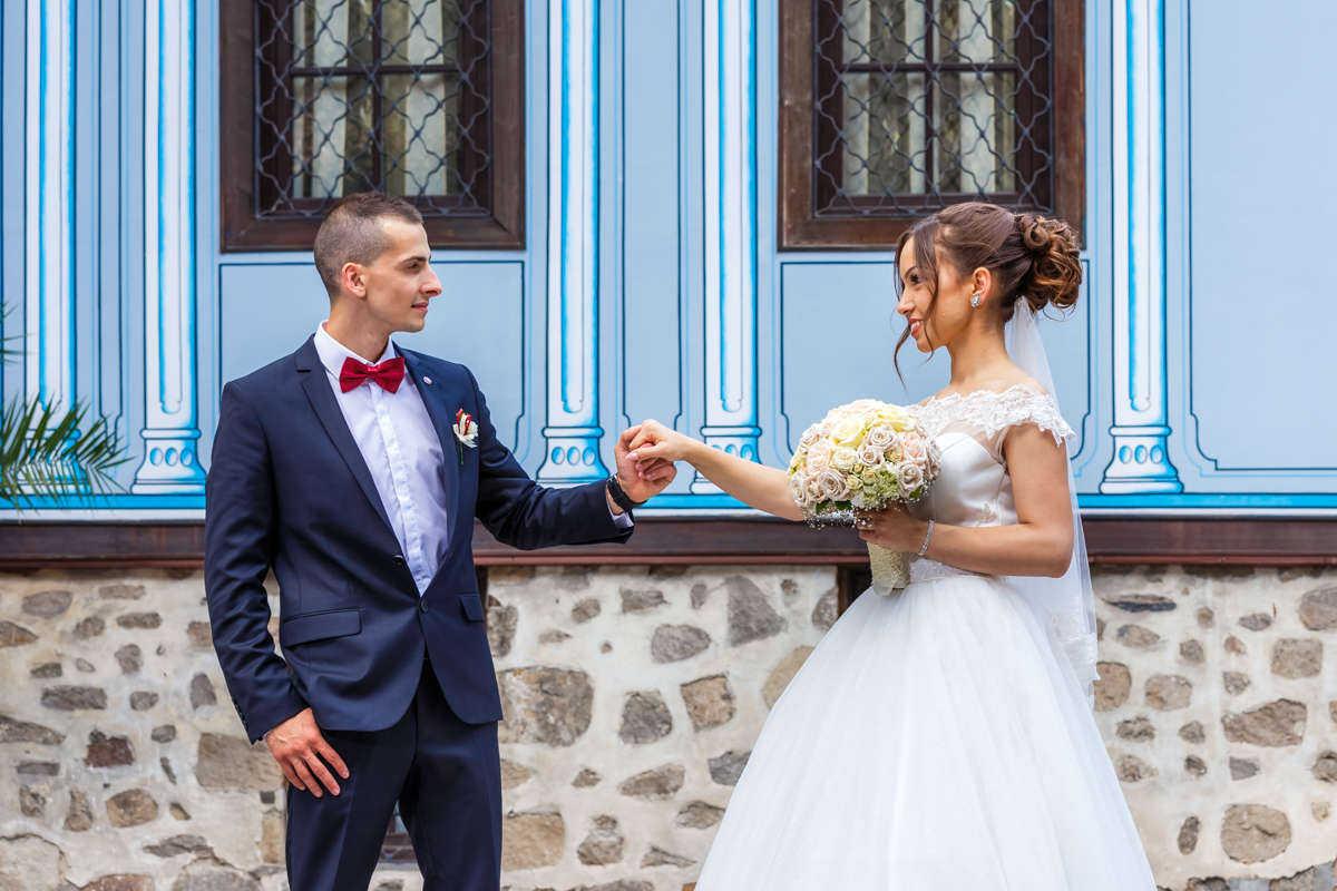 Моменти от сватбата на А&Г. Сватбена фотография от добър професионален фотограф Иван Банчев.